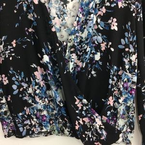lovestitch Tops - Lovestitch black/teal floral print blouse w/lace-M